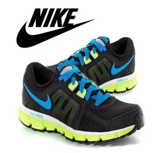 Nike Dual Fusion ST 2 Sneakers